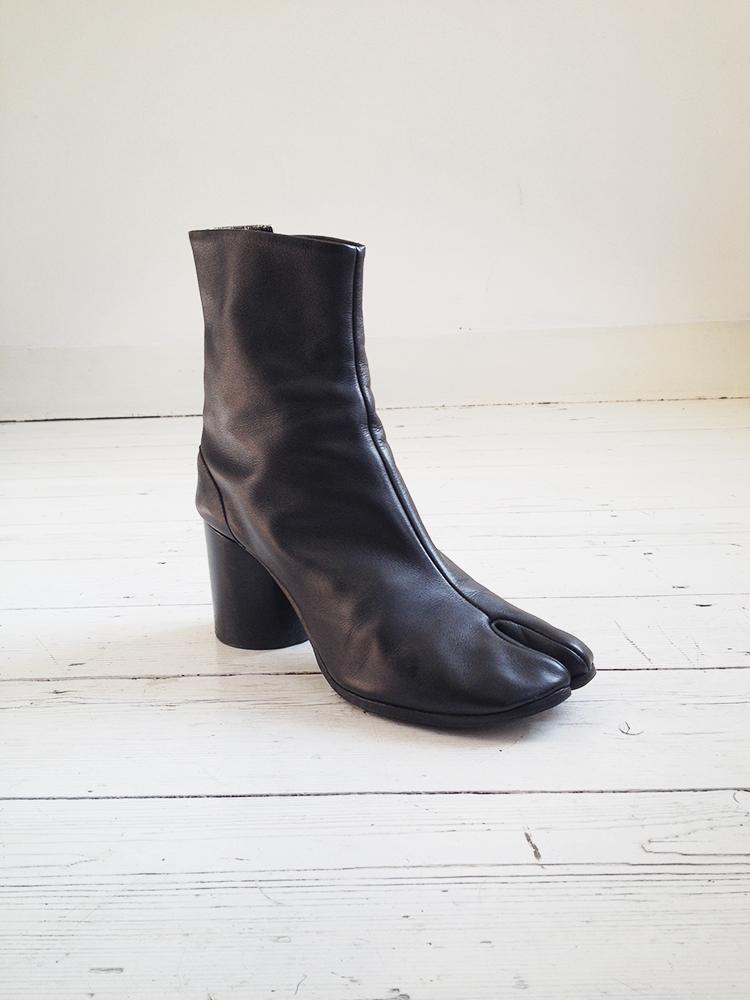 Maison Martin Margiela Black Tabi Boots 40 V A N Ii T A S