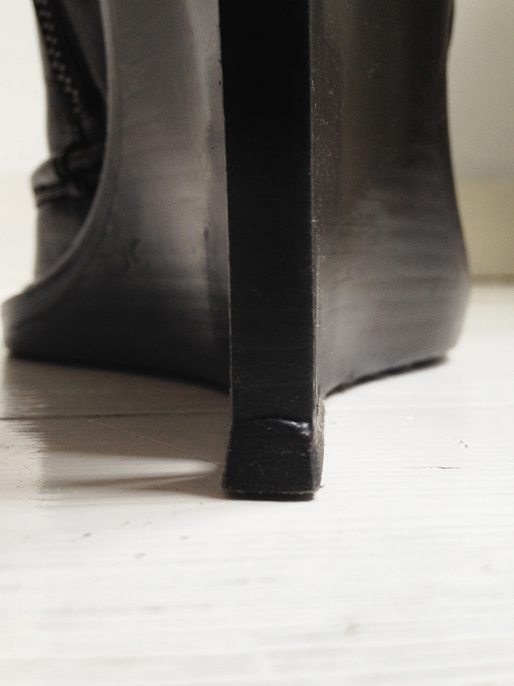 Ann Demeulemeester black slit wedge boots 1736 fall 2010 runway