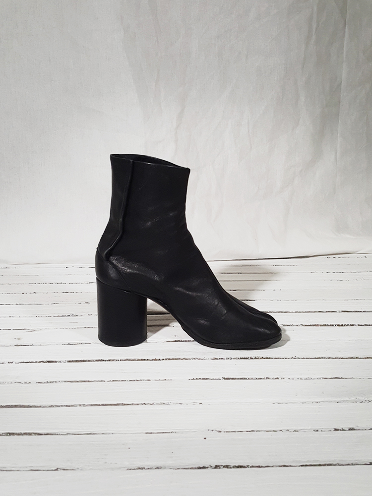 archive Maison Martin Margiela black leather tabi boots with block heel_151552(0)