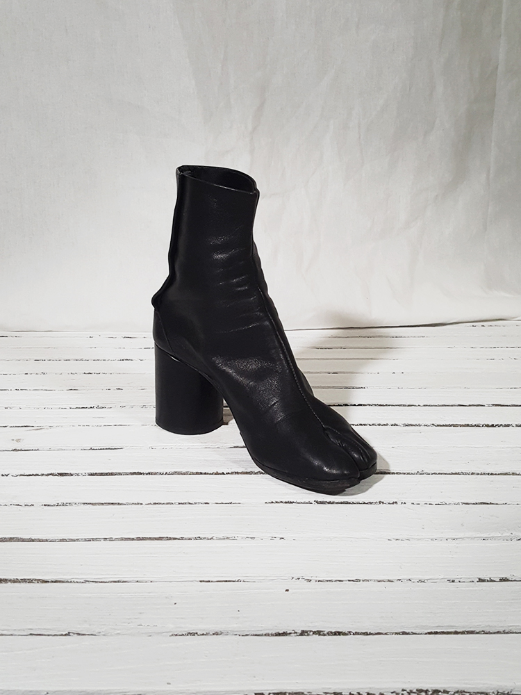 archive Maison Martin Margiela black leather tabi boots with block heel_151604