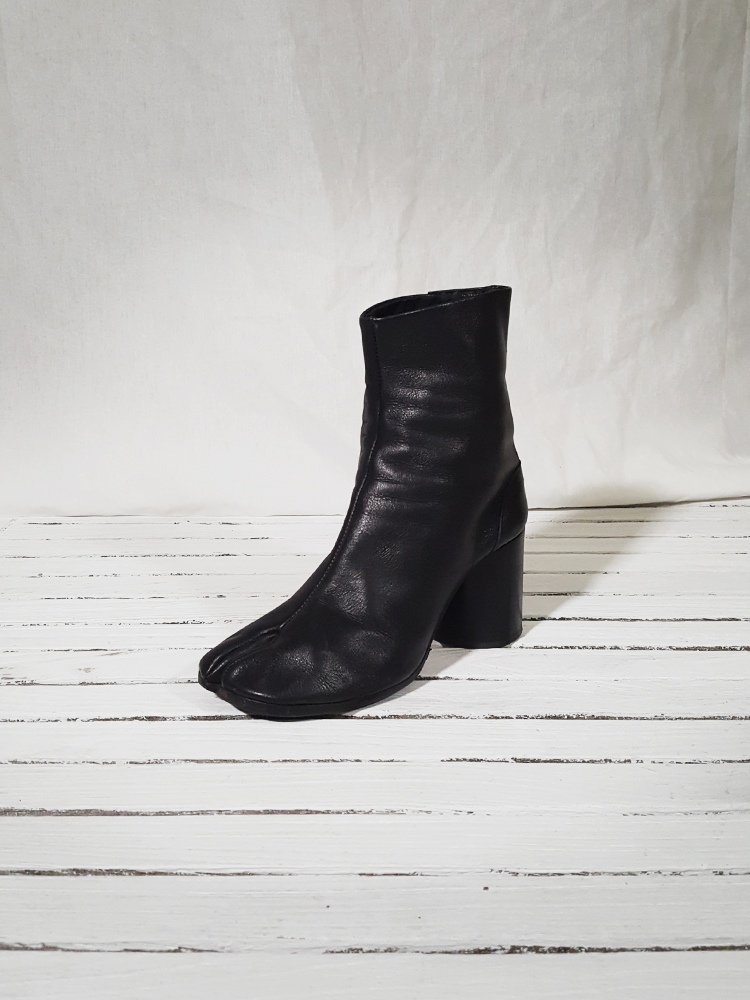 archive Maison Martin Margiela black leather tabi boots with block heel_151623