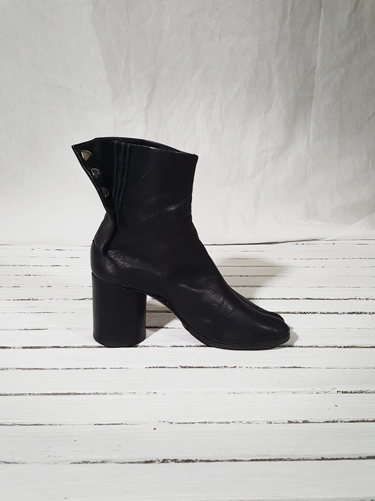 archive Maison Martin Margiela black leather tabi boots with block heel_151827