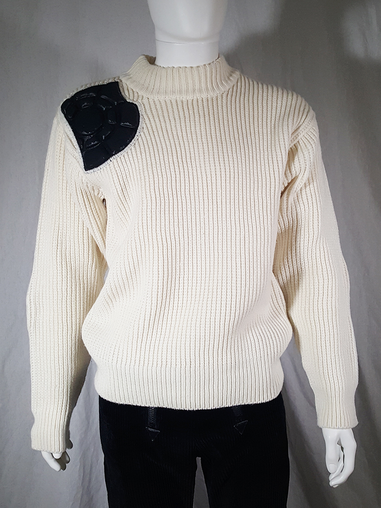 vintage 80s Issey Miyake white jumper with black shoulder and elbow panels140318