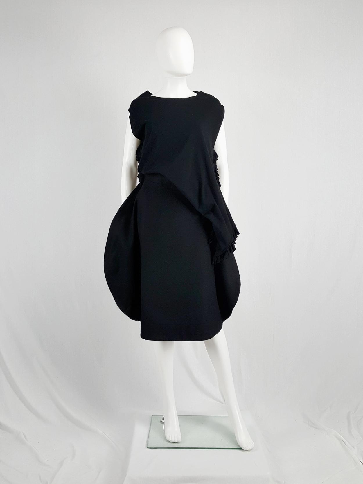 vintage Comme des Garcons black 2D circle skirt fall 2012 130733