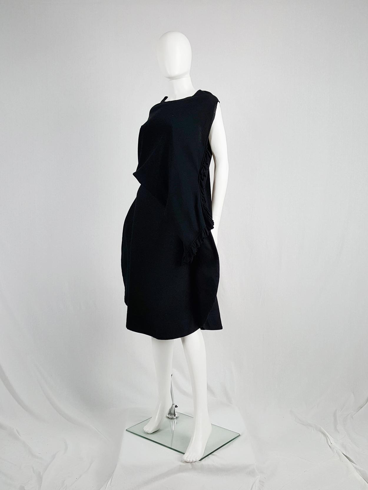 vintage Comme des Garcons black 2D circle skirt fall 2012 130912