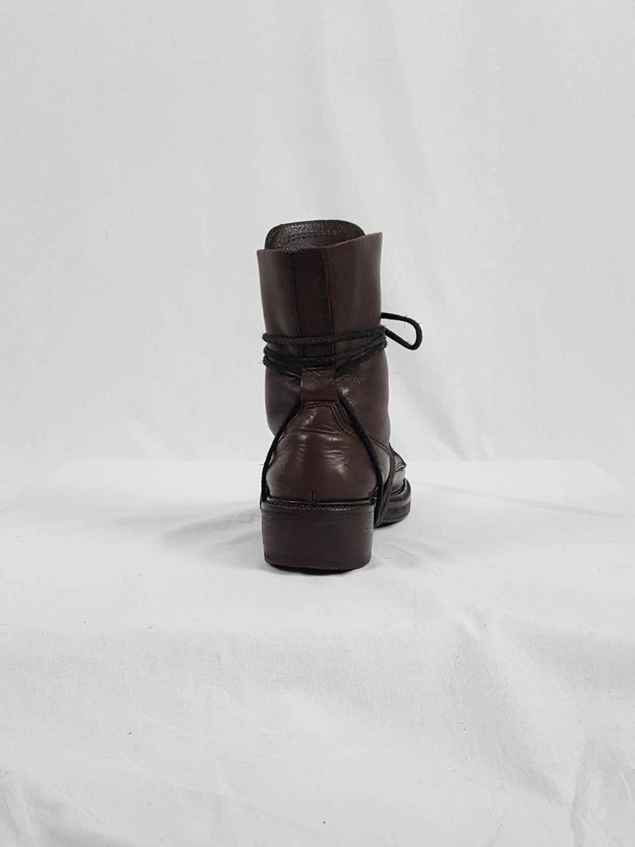 Dirk Bikkembergs brown boots with laces through the soles (42) — late 90's